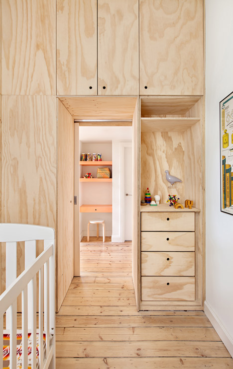 Flinders Lane Apartment by Clare Cousins (4)
