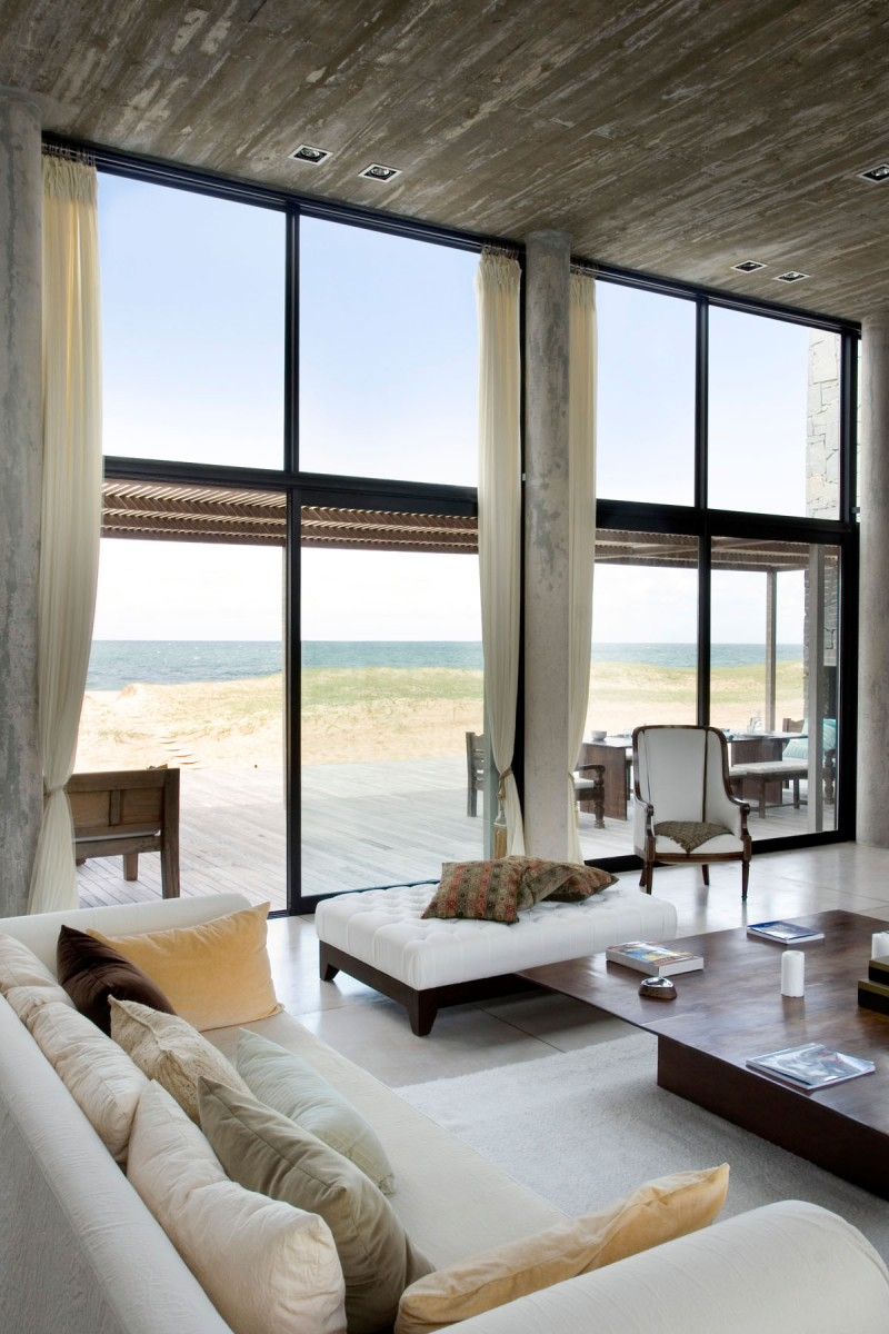 10 Dream Living Rooms With An Amazing View