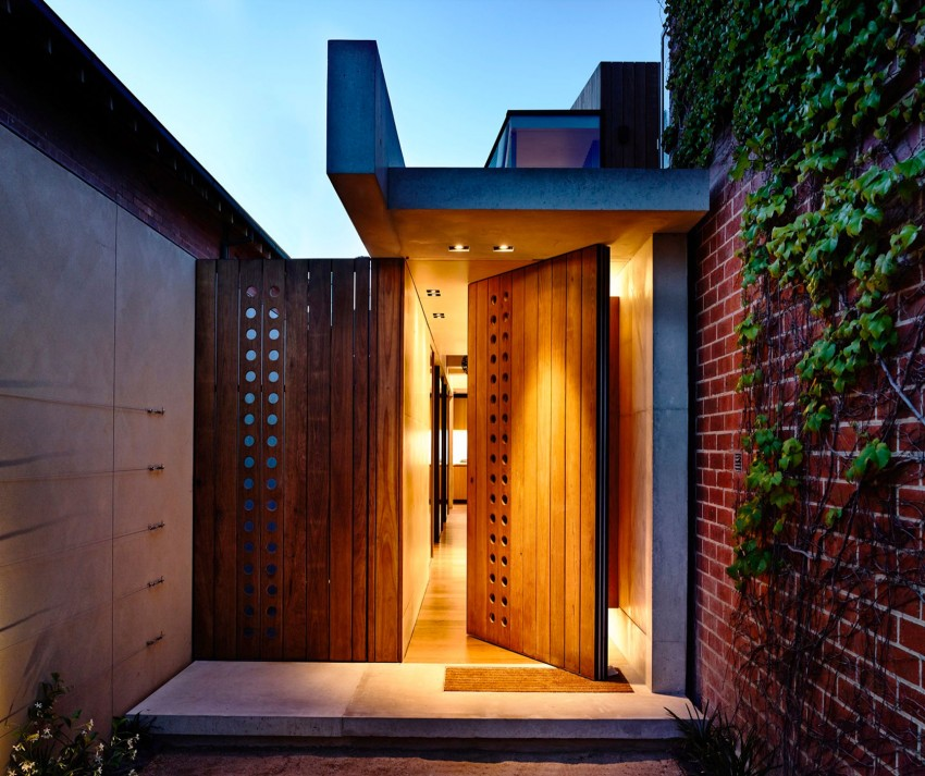 2016 Beach Avenue by Schulberg Demkiw Architects, Backyard