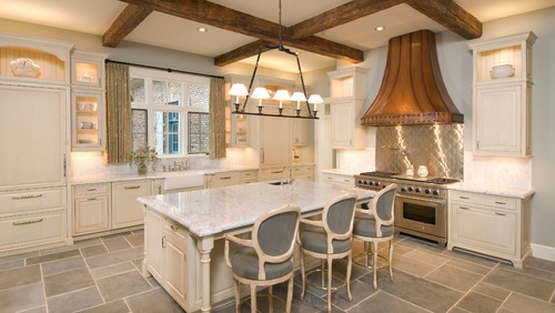 Country kitchen by Sims Luxury Builders