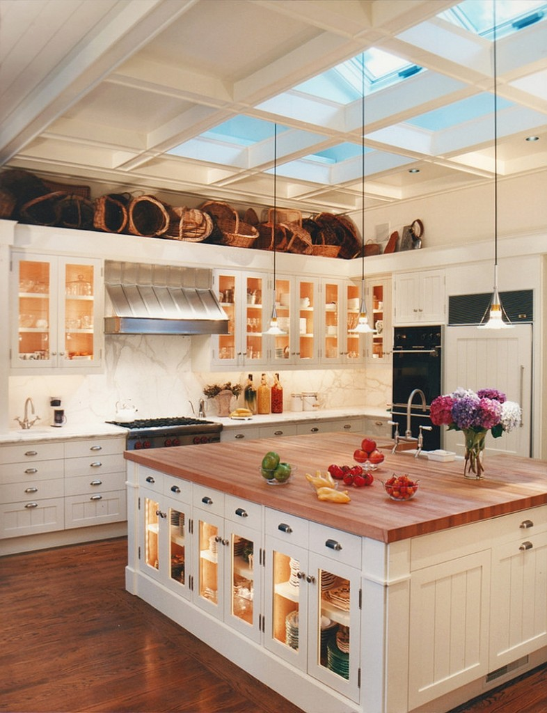 Traditional and luxury kitchen