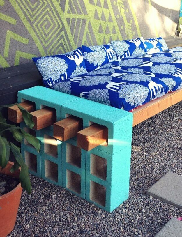 You can create a beautiful outdoor couch