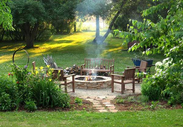 Beautiful and Calm fire pit area, DIY Fire Pit Ideas
