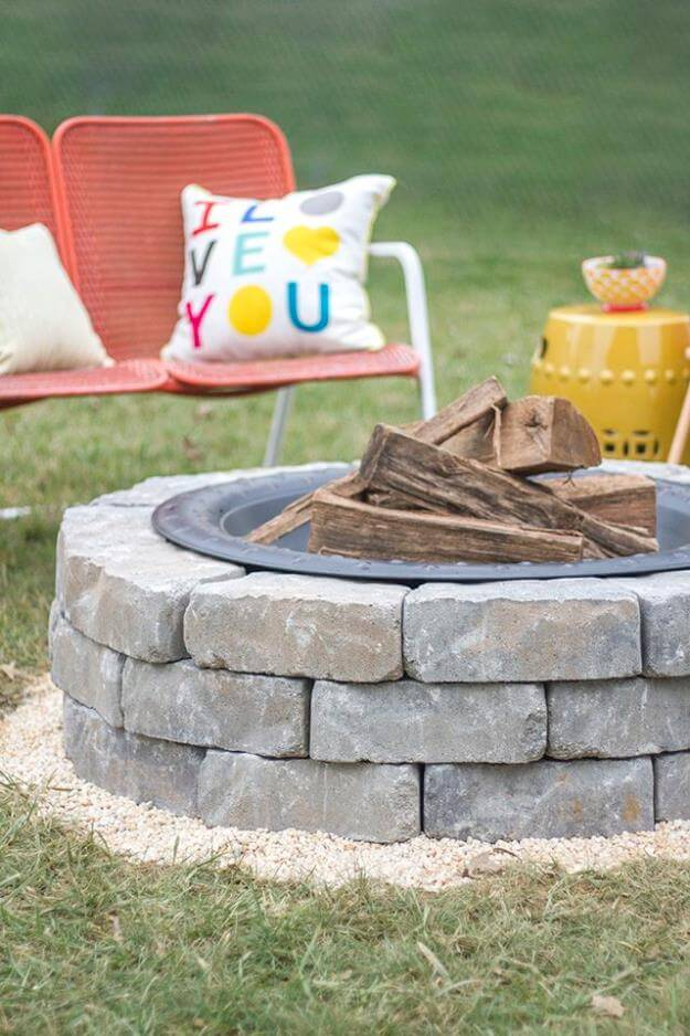 DIY Fire Pit With Wall Stones, DIY Fire Pit Ideas