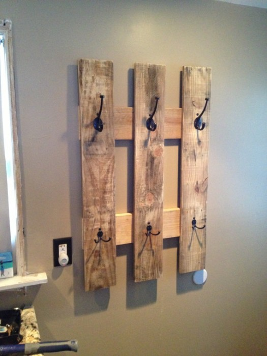 DIY Pallet proejcts That Are Easy to Make and Sell ! DIY Pallet Coat Rack