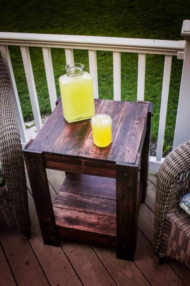 DIY Pallet proejcts That Are Easy to Make and Sell ! Pallet End Table